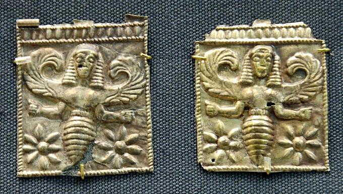 Пыльца не продавалась,а пчёлки и мед часто являлись символами различных эпох
