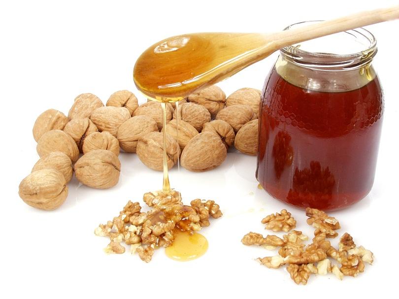 Смесь меда с грецкими орехами хороший источник мужского здоровья