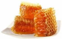 Хранение пчелиных сот является сложным, но необходимым процессом