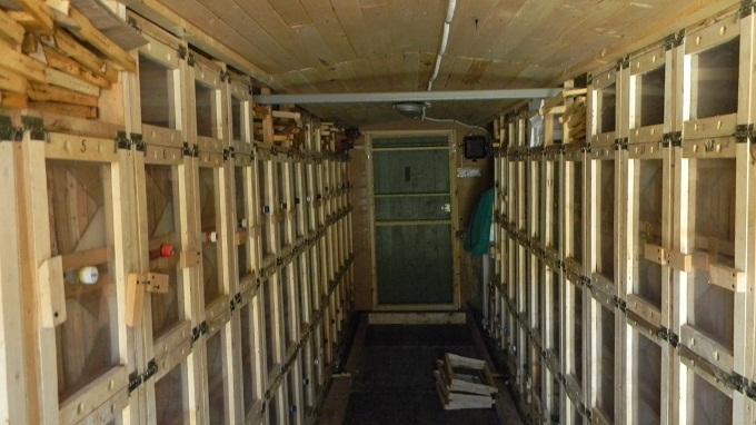 Внутренне устройство кассетного павильона в пчеловодстве