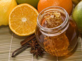 Детям до одного года мед употреблять не рекомендуется