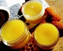 Мазь в которую входит воск+желток обладает сильными лечебными свойствами