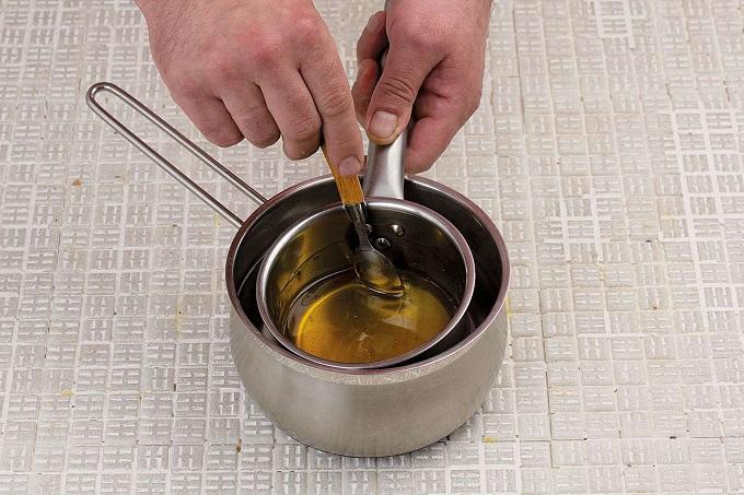 Если мед кристаллизировался, не остается ничего другого, как растопить его